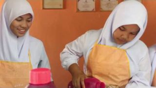 การส่งเสริมอาชีพ หารายได้ระหว่างเรียน ด้วยร้านกาแฟ ในโรงเรียน